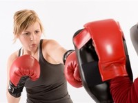 Small_womanboxing
