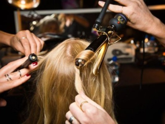 Hair Classes Chicago - Curling Iron Class | Dabble