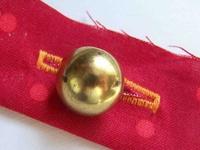 Small_shank_buttonhole