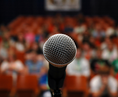 Medium istock 000001957113smallmicrophone