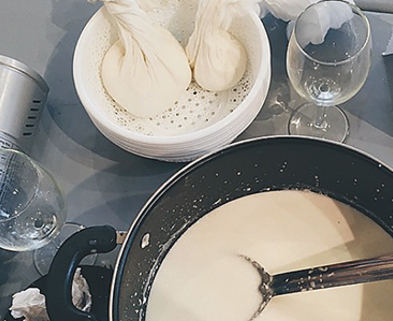 Medium cheese making