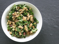 Small_spinachwalnutpasta1