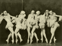 Small_ziegfeld_girls_020