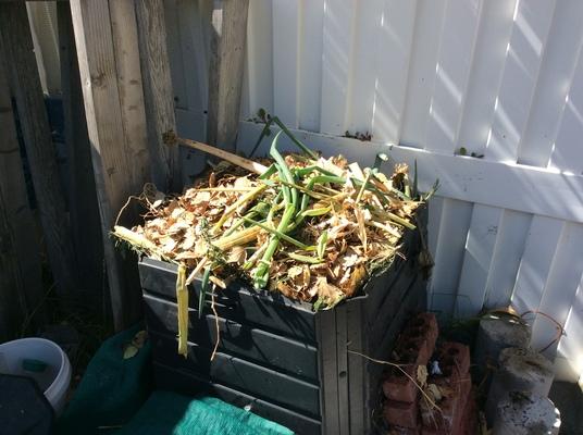 Carousel compost bin 101417