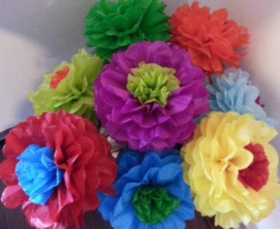 Medium paper flowers