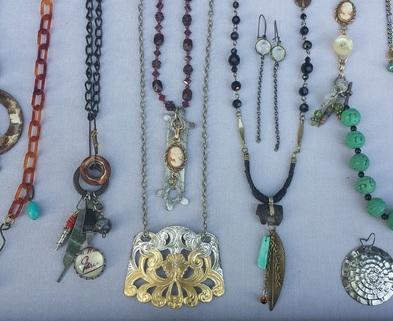 Medium dabble class jewelry