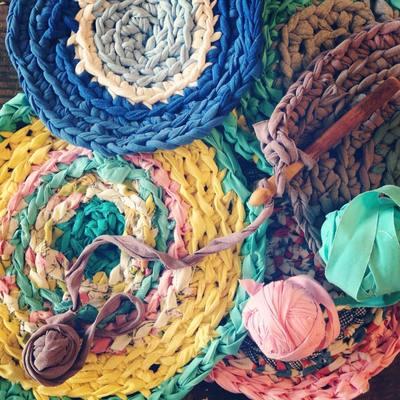 Carousel crochet rag rug