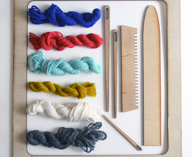 Medium loom and yarn kit
