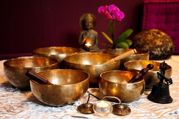 Carousel singing bowls