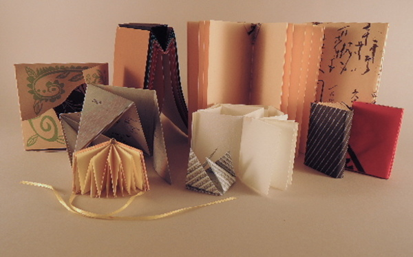 Carousel innovative folded books