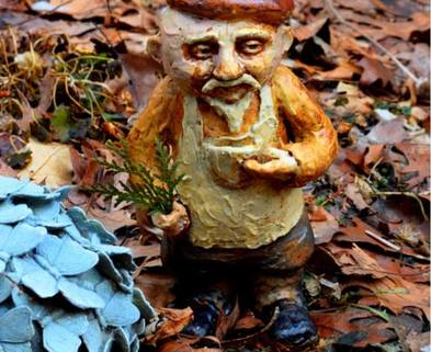 Medium clay gnome