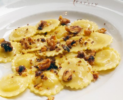 Medium cacio and pepe ravioli