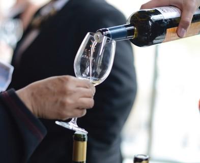 Medium roman wine tasting