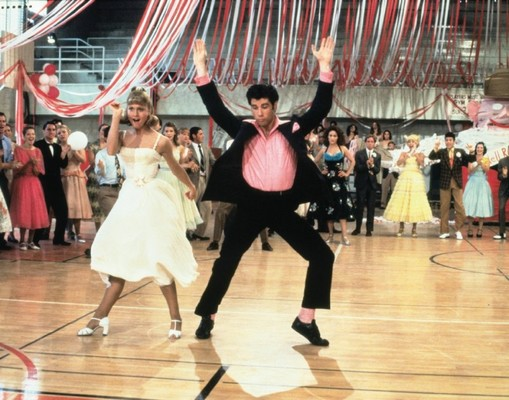 Carousel grease sandy danny prom 800x629