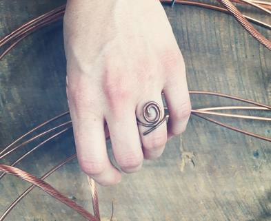 Medium copper spiral ring