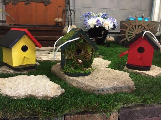 Carousel wildbirdshackbirdhouses