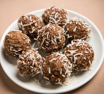 Carousel chocolate truffles 2 1024x927