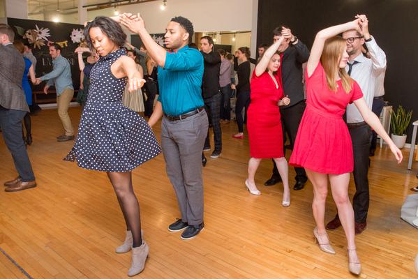 Carousel salsa dance class chicago duet