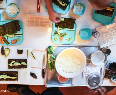 Medium f n   sushi rolling 14