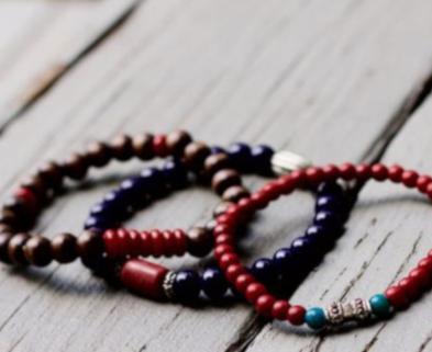 Medium bracelets