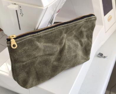 Medium zippered pouch class 3