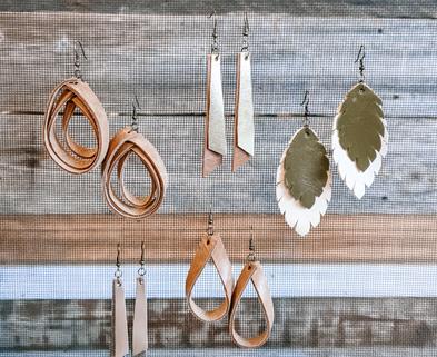 Medium leather earrings