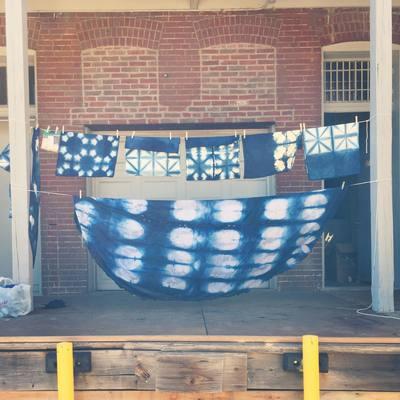 Carousel shibori dyeing itajime resists
