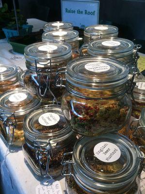 Carousel mustard jars