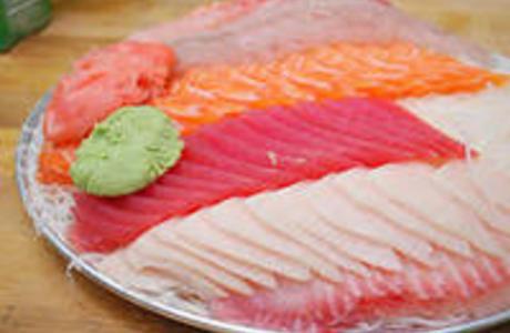 Medium small sushi