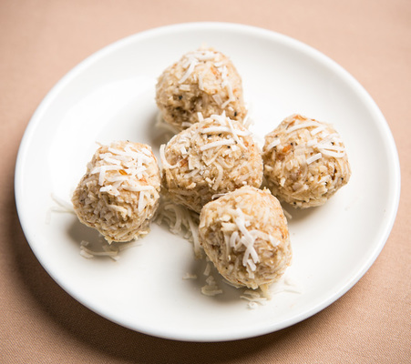Carousel coconut macaroons