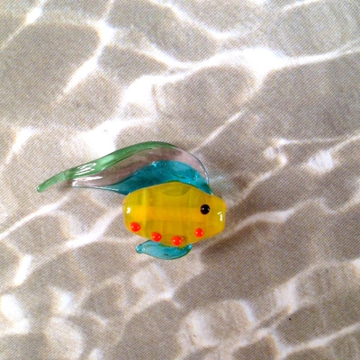 Carousel fish bead
