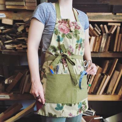 Carousel sewing aprons