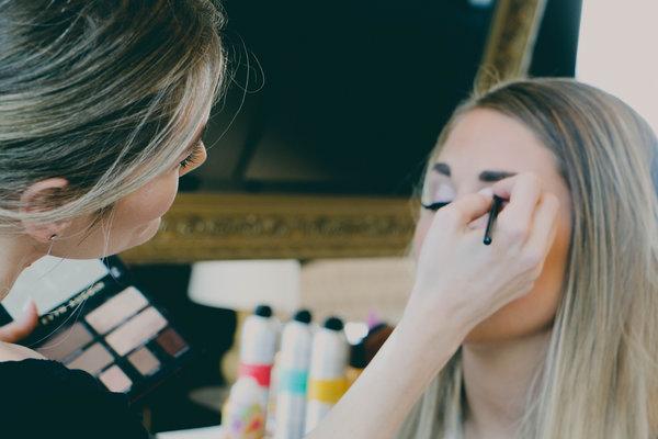 Carousel glwoout makeup