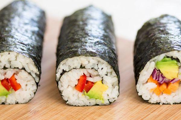 Carousel sushi cuon chay 1