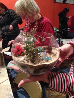 Carousel sandy terrarium