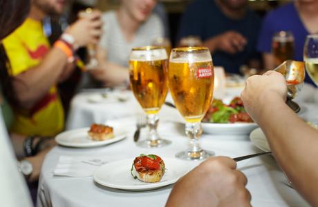 Medium food tour pub crawl