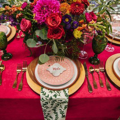 Carousel sq bright wedding inspiration planner denver botanic gardens olace setting lipstick pink linen velvet