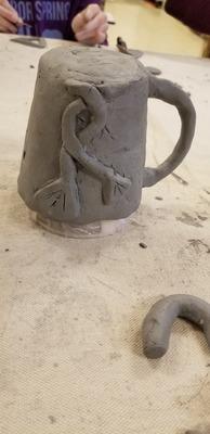 Carousel mug on mold lotus flowers